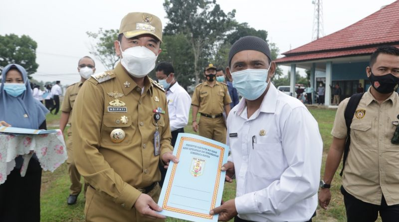 Raden Adipati Surya Serahkan SK Pengamatan 116 ASN P3K Way Kanan